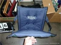 LOT: SOFT QUICK QUICK FOLD BLEACHER SEAT CUSHION