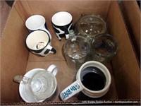 BOX: MIXED SIZED COFFEE MUGS & CUPS
