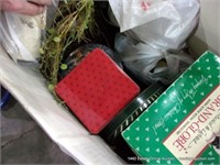 LARGE BOX: ASSORTED CHRISTMAS DECORATIONS