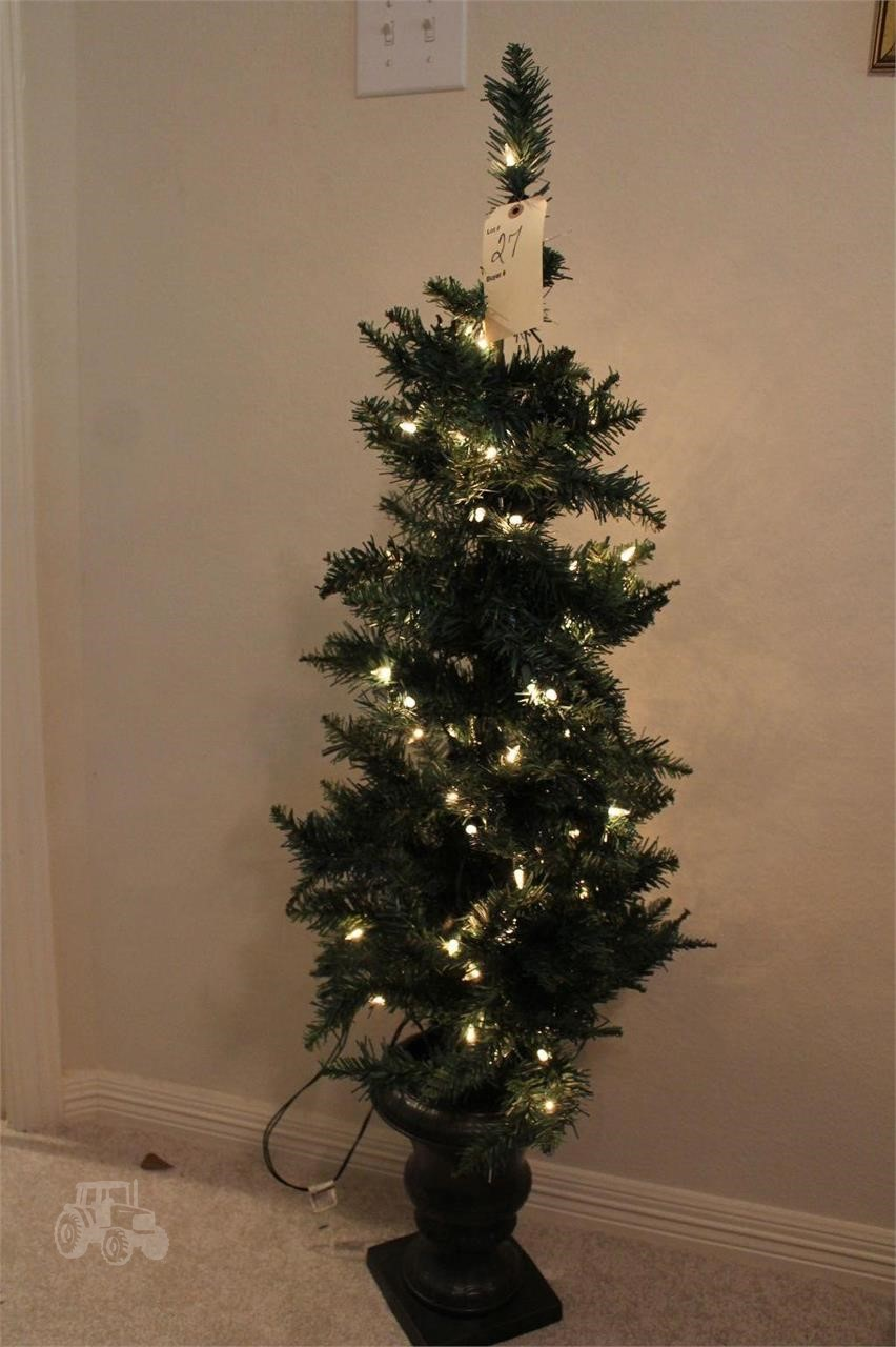 Gebraucht LIGHT UP POTTED CHRISTMAS TREE Andere Artikel Zum ...