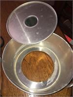 Small cast iron skillet