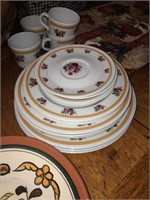 4 place setting of Melmac