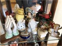 Another shelf of knickknacks