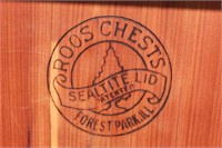 Roos hope chest/view 3
