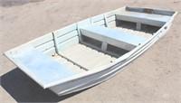 Aluminum Fishing Boat, approx 9'