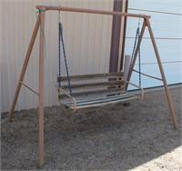 HMD Outdoor Swing