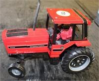 internatioinal 5088 Tractor, 1/16th scale (no box)