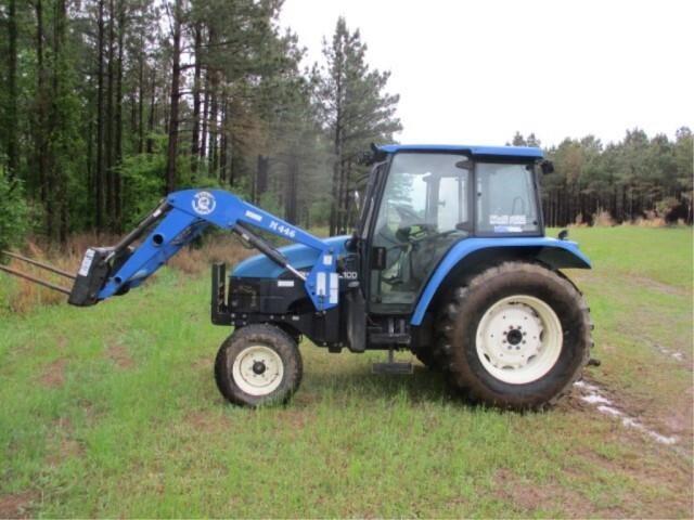 2000 NH TL100 cab tractor w/loader & bucket - runs