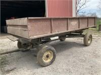 Wagon with hydraulic lift