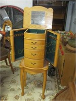 210506 - Collectibles, Antiques Online Only Auction