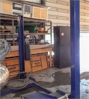 Bend Pak Car Lift w/ 9000LB Capacity