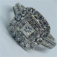 10KT WHITE GOLD .65CTS DIAMOND RING
