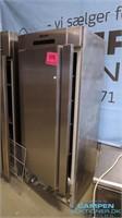 6231 NET: AUKTION O/CAFE INVENTAR (NYRUP)