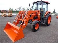 Kubota M7060F Tractor Loader