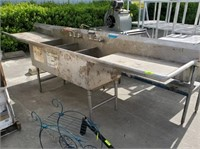 3-COMPARTMENT STAINLESS STEEL SINK