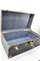 Rustic Military Shipping Steamer Trunk w/Rivets