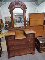 May 23rd Antiques Auction