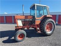 International 986 Tractor