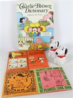 1970's PEANUTS Charlie Brown Books & Snoopy S/P