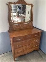 Wooden 3-Drawar Dresser w/ Mirror