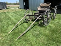 Horse Drawn Buggy/Carriage with Sleigh Runners