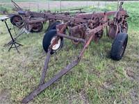 IH 3-bottom plow