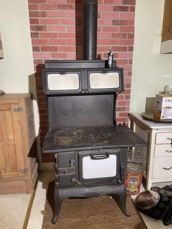 """Red Mountain """"T"""" Range Wood Cook Stove"""