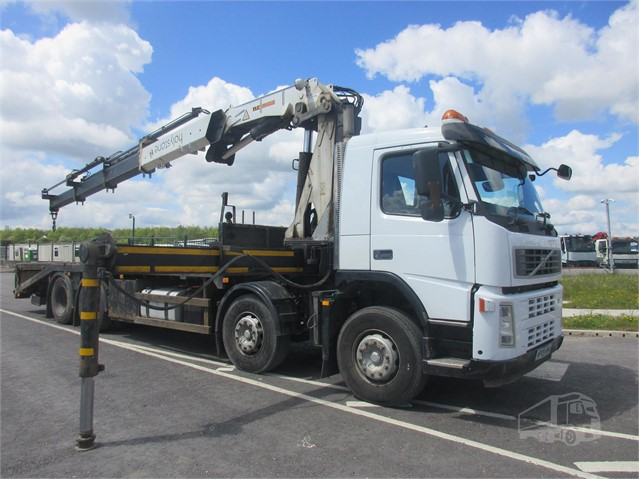 2009 VOLVO FM13.400 at www.firstchoicecommercials.ie