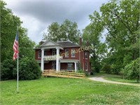 Historic Mansion Downtown Centerville