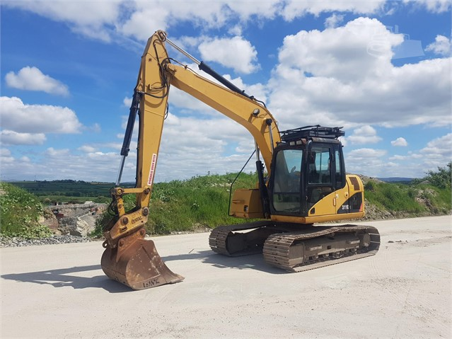 2007 CAT 311C at www.glenvalleyplant.co.uk