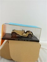 MODELS AND DIE CAST COLLECTIBLES