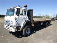 1980 International COF195OD 26' T/A Flatbed Truck