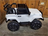 JEEP POWER WHEELS WITH REMOTE NEW BATTERY