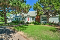 Country Home with Acreage, Clinton, OK