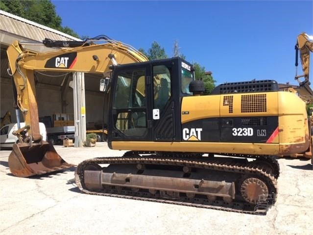 2010 CAT 323DLN a www.nord-tractors.it