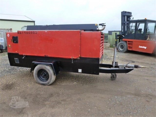 2007 ATLAS COPCO XAHS236CD at www.used-compressors.co.uk