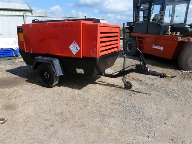 2005 ATLAS COPCO XAS136DD at www.used-compressors.co.uk