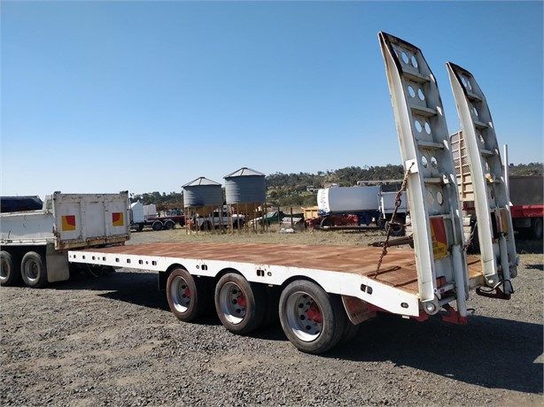 2008 RUSSELL HEALE ENG TRIAXLE PLANT TRAILER