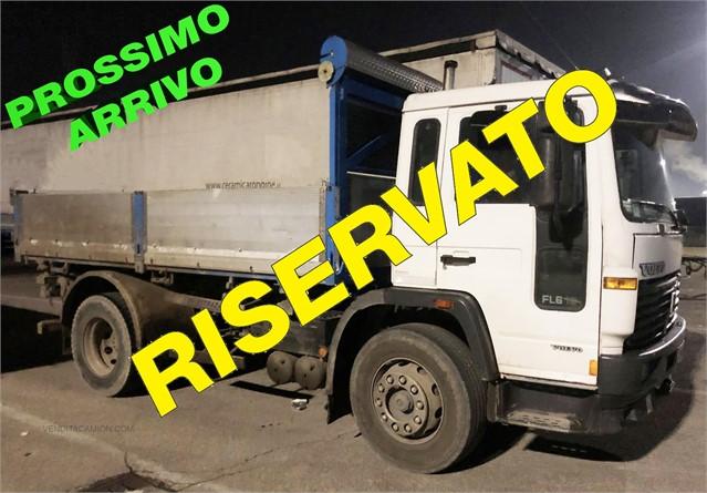 2000 VOLVO FL6.180 at www.venditacamion.com