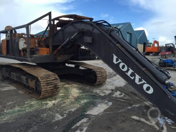 2014 VOLVO E250DLC at TruckLocator.ie